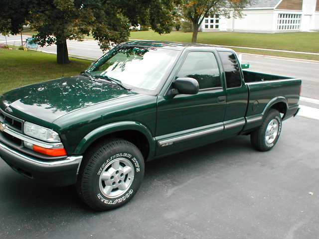 Picture of 2003 Chevrolet S-10 3 Dr LS 4WD Extended Cab SB, exterior