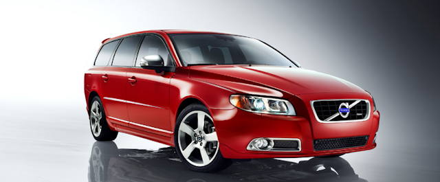 2010 Volvo V70, Front Right Quarter View, exterior, manufacturer
