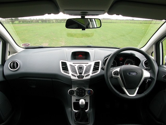 2009 ford fiesta interior pictures cargurus. Black Bedroom Furniture Sets. Home Design Ideas
