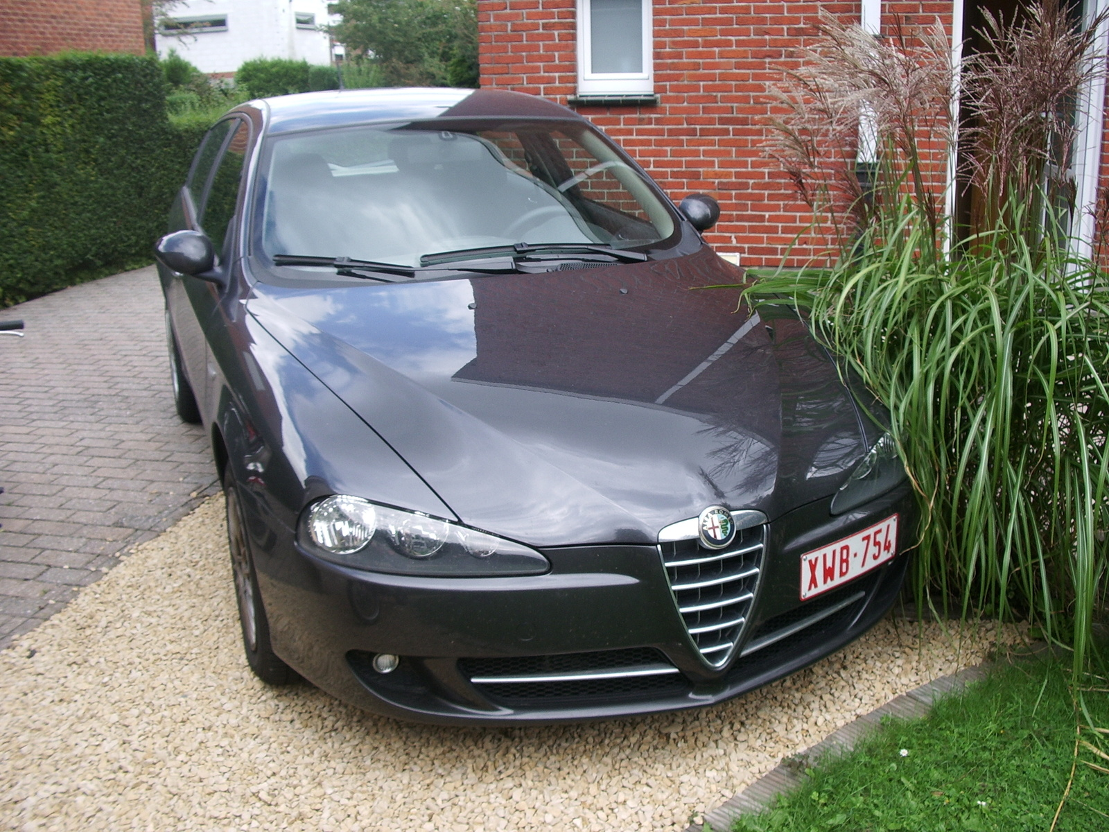 2002 alfa romeo 147 overview cargurus. Black Bedroom Furniture Sets. Home Design Ideas