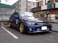 2001 Toyota Altezza Overview