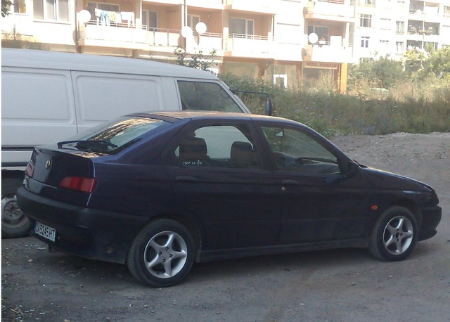 Picture of 1995 Alfa Romeo 146
