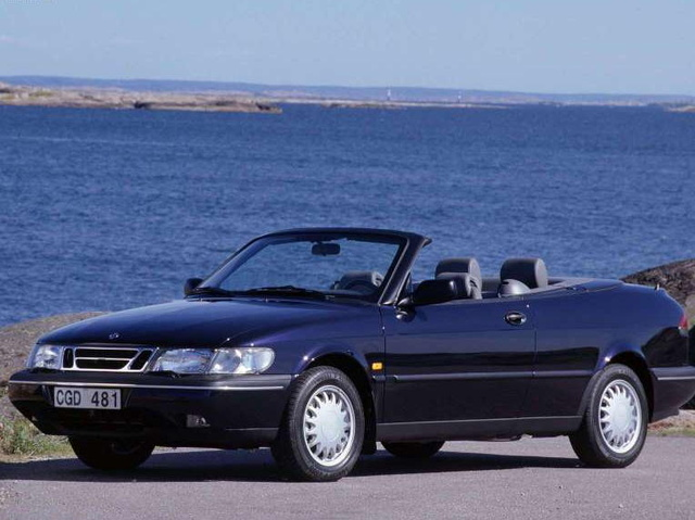 Picture of 1997 Saab 900