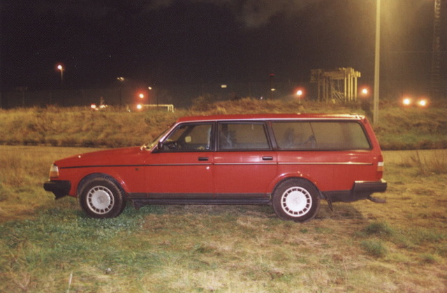 Picture of 1991 Volvo 245