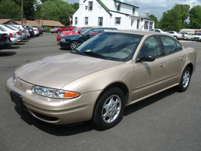 2003 Oldsmobile Alero GL picture