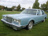 1981 Lincoln Town Car Overview