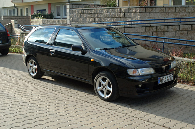 Picture of 1996 Nissan Almera