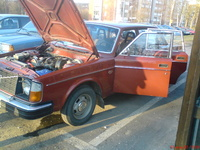 1977 Volvo 240 Picture Gallery