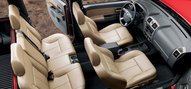 2010 Chevrolet Colorado, seating , interior, manufacturer