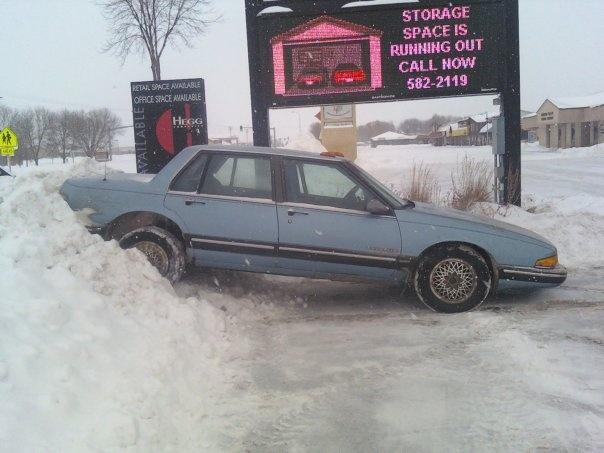 Picture of 1991 Pontiac Bonneville 4 Dr LE Sedan
