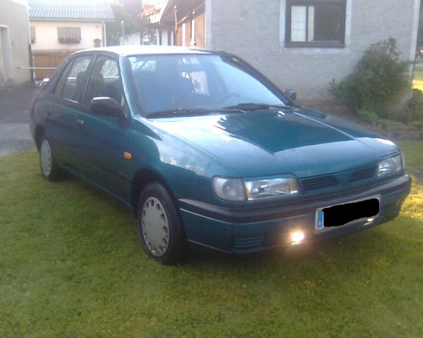 Picture of 1995 Nissan Sunny