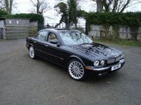 2004 Jaguar XJR Picture Gallery