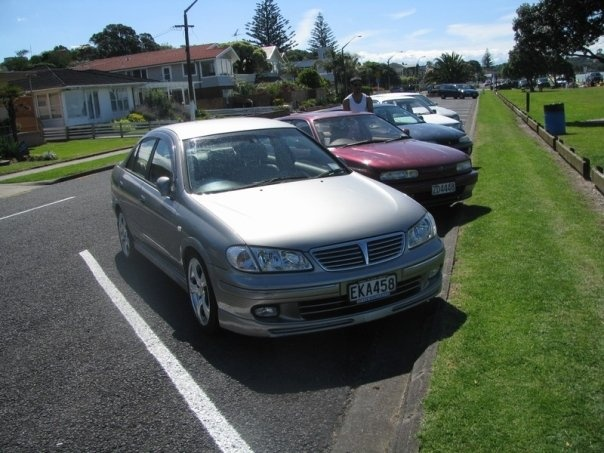 Picture of 2000 Nissan Bluebird