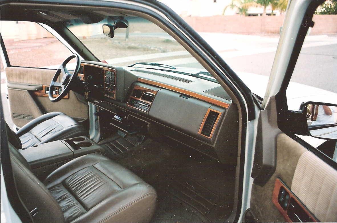 1994 chevy silverado 1500 knocking noise under dashblend for Door knocking sound