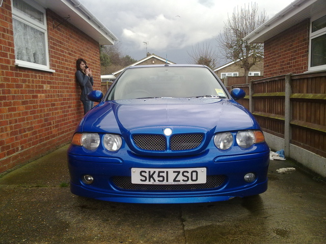 Picture of 2001 MG ZS