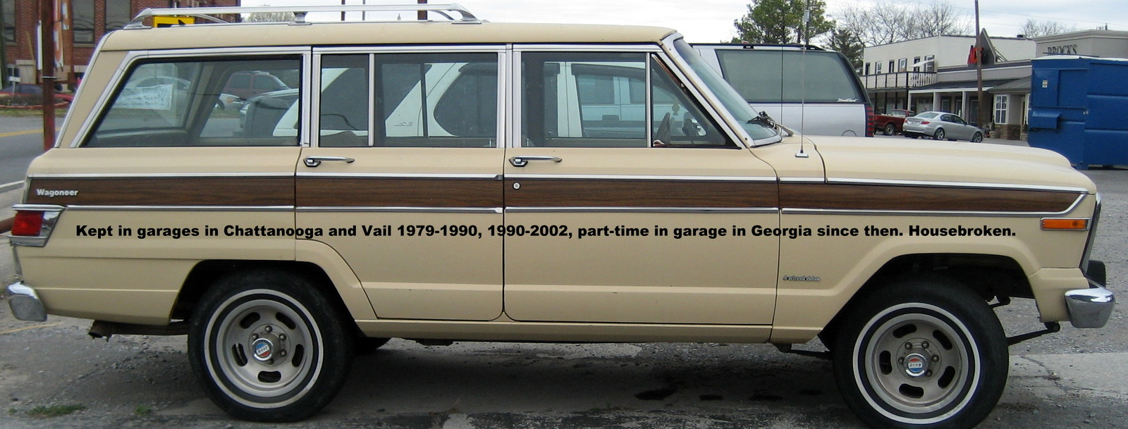 1979 jeep wagoneer right side view showing wood grain strip exterior