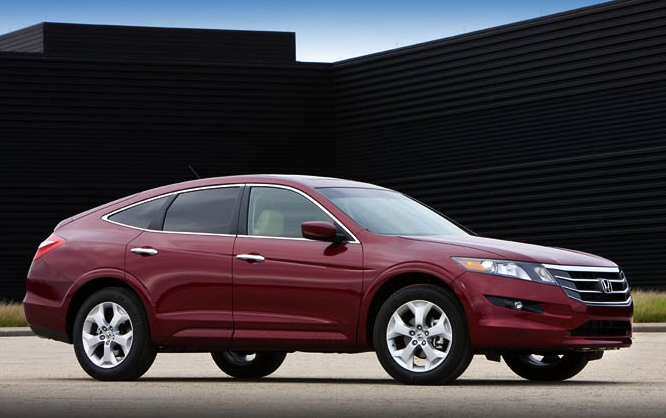 2010 Honda Accord Crosstour, Front-quarter view, manufacturer, exterior