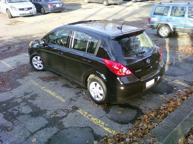 Picture of 2009 Nissan Versa SL Hatchback, exterior, gallery_worthy
