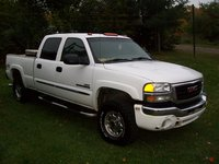 2005 GMC Sierra 2500HD Overview