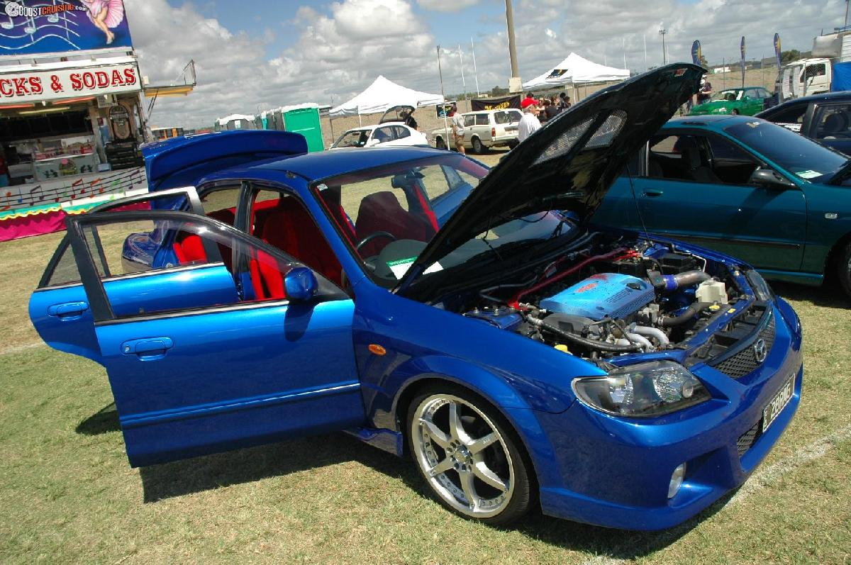 Picture of 2004 Mazda 323