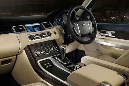 تقرير شامل عن سيارة رانج روفر الرياضية Range Rover sport 2010 land rover range rover sport sc pic 1354307432835157856