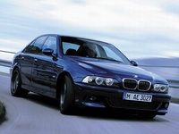 2003 BMW M5 Overview