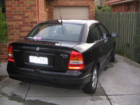 2000 Holden Astra Overview