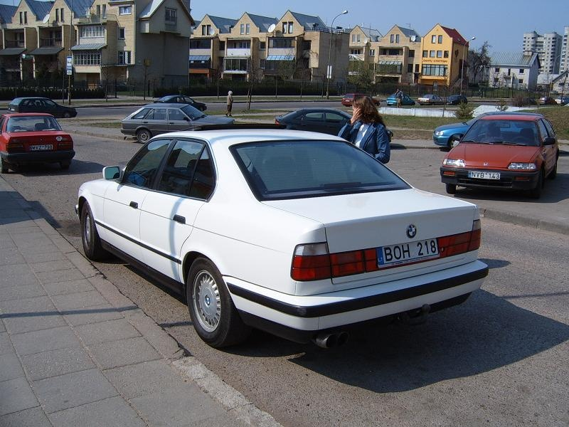 1991 Bmw 5 Series - Overview