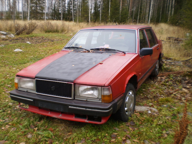 Picture of 1984 Volvo 740