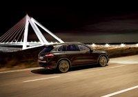 2011 Porsche Cayenne, Right Side View, exterior, manufacturer