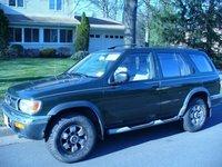 1996 Nissan Pathfinder Overview