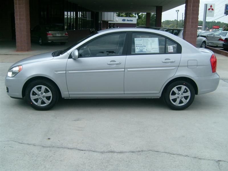 2002 Hyundai Accent - Exterior Pictures