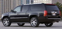 2003 Cadillac Escalade ESV Overview