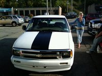 1997 Chevrolet S-10 2 Dr LS Extended Cab SB, S10 grill ain't painted in this one, exterior