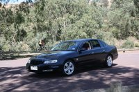 2002 Holden Statesman Overview