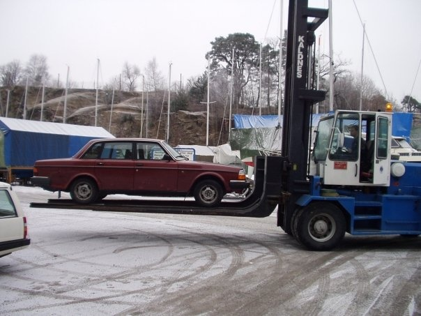 Picture of 1985 Volvo 240