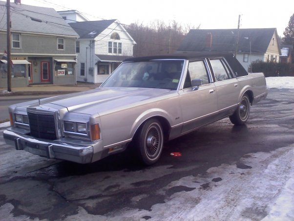 1989 lincoln town car exterior pictures cargurus. Black Bedroom Furniture Sets. Home Design Ideas