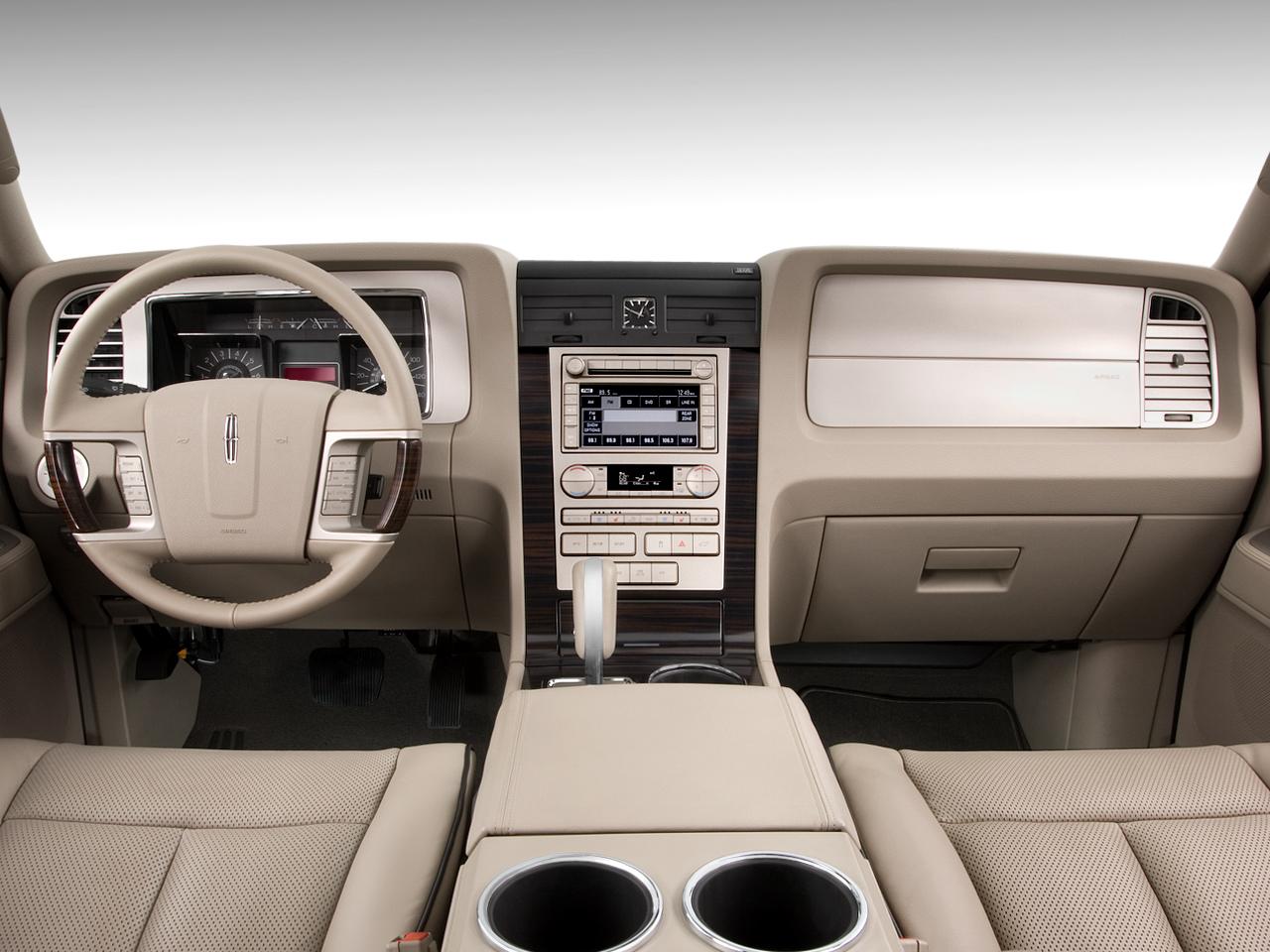 2010+lincoln+navigator+interior+pictures