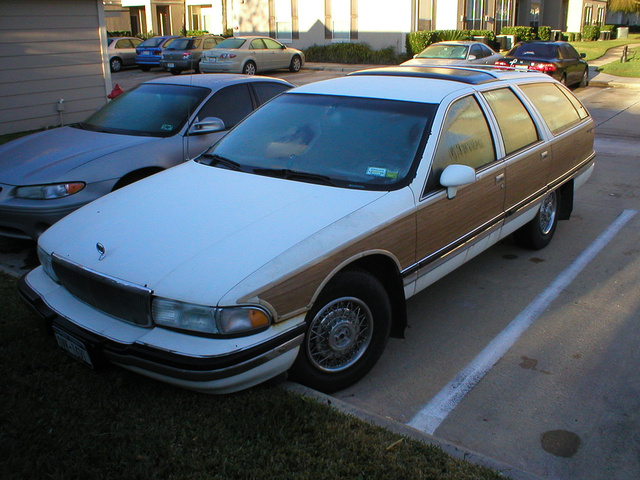 Picture of 1992 Buick Roadmaster 4 Dr Estate Wagon