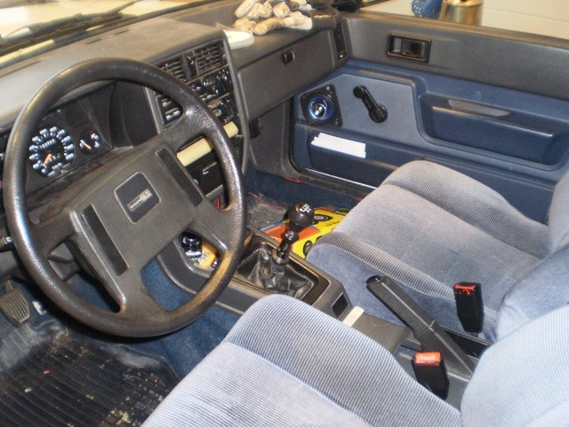 1984 Volvo 360, fräch, interior, gallery_worthy
