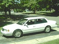 1993 Lincoln Continental Overview