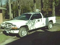 1999 Dodge Dakota 2 Dr Sport 4WD Extended Cab SB, the kota miss the fuckin thing, exterior