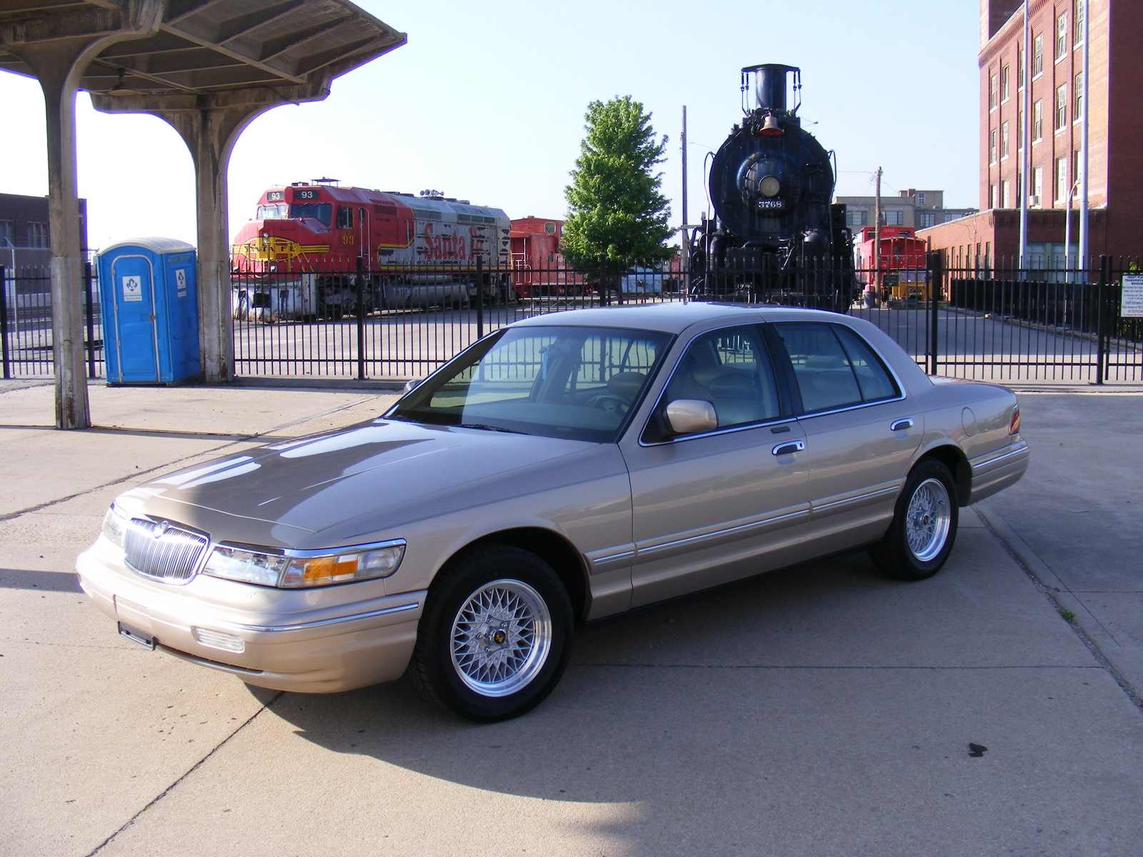 1997 Mercury Grand Marquis 4 Dr LS Sedan picture, exterior
