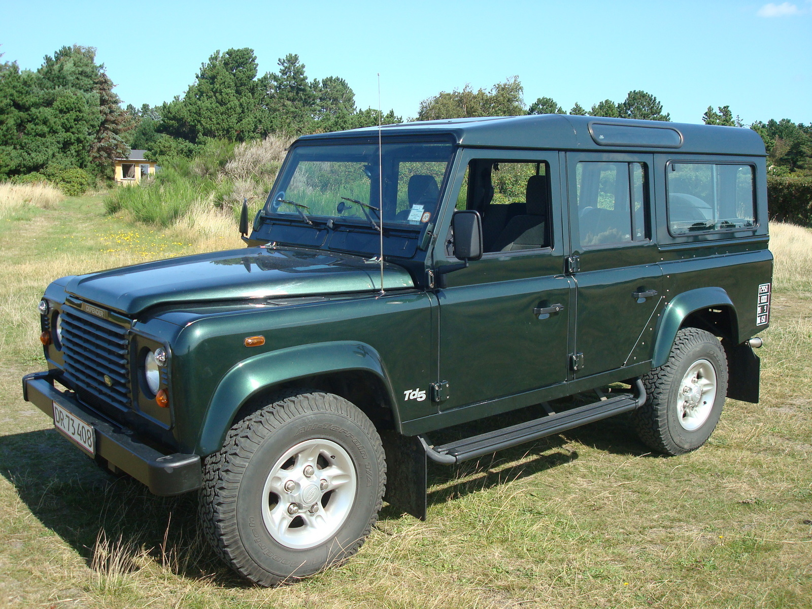 2001 Land Rover Defender picture