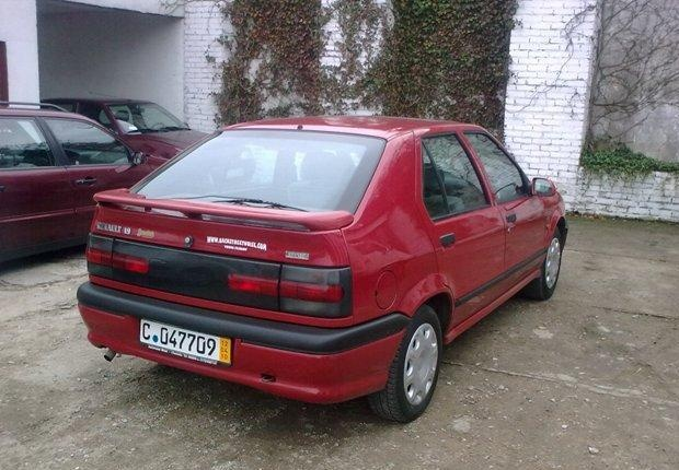 Picture of 1996 Renault 19