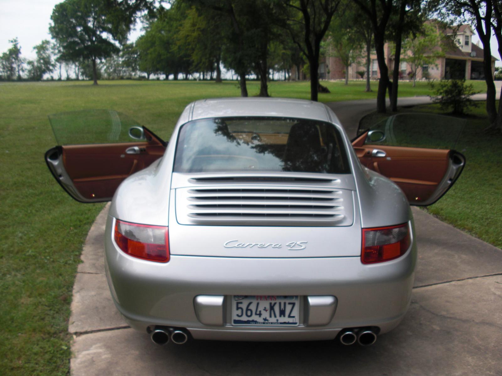 Porsche 911 Carrera 4S (2005)