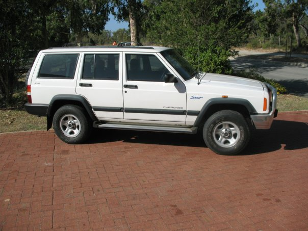 1998 jeep cherokee 4 dr sport 4wd suv picture exterior. Cars Review. Best American Auto & Cars Review