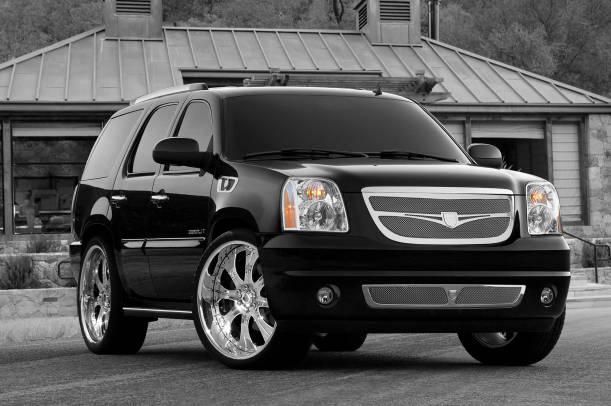 Picture of 2010 GMC Yukon XL Denali 4WD, exterior, gallery_worthy