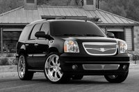 Picture of 2010 GMC Yukon XL Denali AWD, exterior
