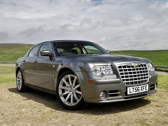 The begin of 2007 will bring a Touring version of the Chrysler 300C SRT-8.